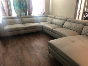 Gray sectional couch for Sale in Lithia, FL