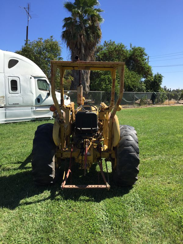 Tractor with front loader