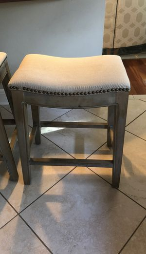 Pair of counter height bar stools. for Sale in Belleair, FL