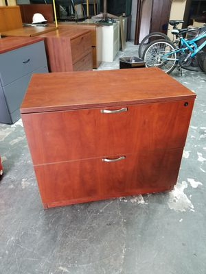Two drawer lateral file cabinet $60 (good condition) for Sale in Houston, TX