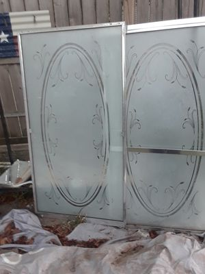 Glass shower doors $40.00 Cash only. for Sale in Dallas, TX