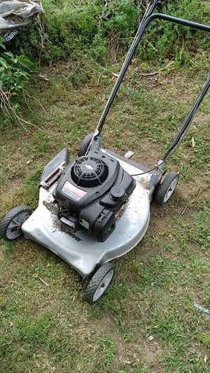 Change the oil in spark plug lawn mower runs great for Sale in Suitland-Silver Hill, MD