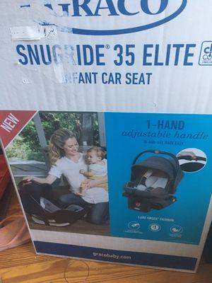 Graco Snugride 35 Elite click connect infant car seat for Sale in Cranston, RI