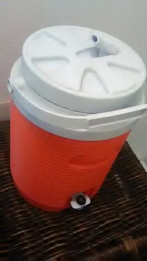 Rubbermaid Cooler / Dispenser for Sale in Vancouver, WA