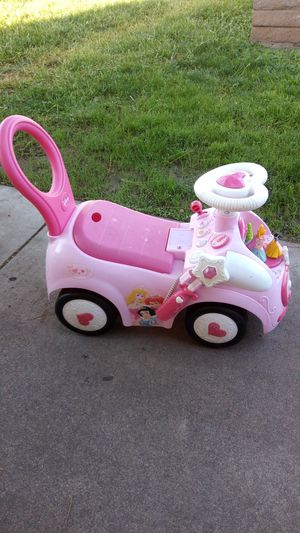 Baby push car ride $20.00 exelent condition 🌺 batteries included for Sale in Phoenix, AZ