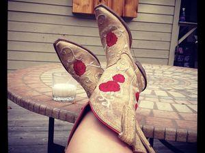 Ariat Cowboy Boots Sz 6 for Sale in Austin, TX