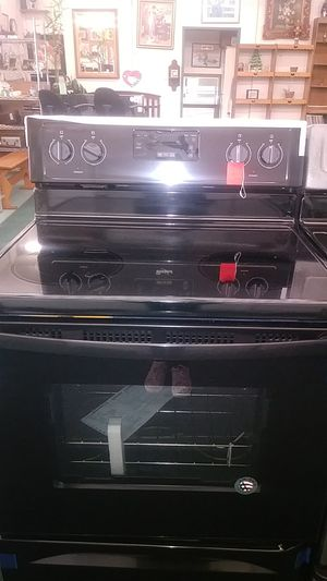 Estufa electrica. Electric stove new. for Sale in Victorville, CA