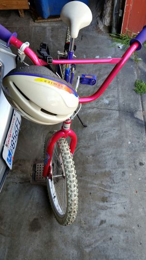 """20"""" Girls Bike with Helmet for Sale in Daly City, CA"""