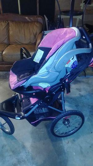 Car seat and stroller for Sale in Jonesboro, GA