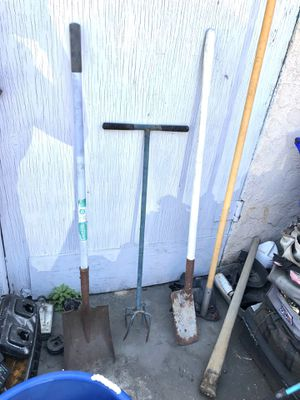 🛠 GARDENING TOOLS SHOVEL TWIST MILLER PRUNE EXTENSION POLE 🛠 for Sale in Torrance, CA