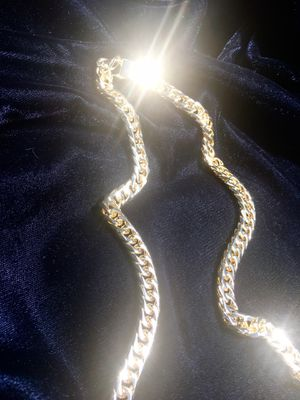 DOUBLE CUBAN LINK CHAIN 18K GOLD MADE IN ITALY for Sale in Miami Beach, FL