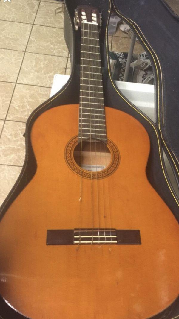 Yamaha CG-100a guitar