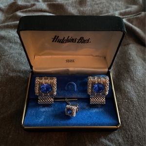 Cuff Link/ Tie Pin Set for Sale in Las Vegas, NV