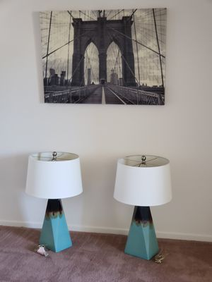 Decor picture and 2 lamps for Sale in Las Vegas, NV