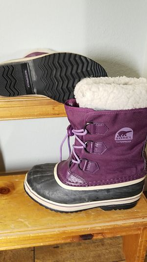 Kids Purple Sorel snow boots size 4 used for Sale in Mission Viejo, CA