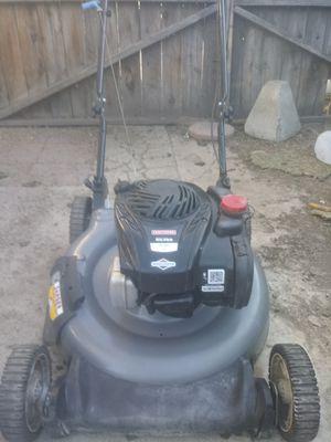 Like new standard lawn mower for Sale in San Bernardino, CA