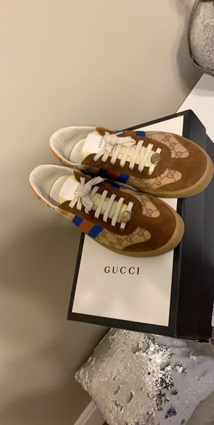 Authentic Gucci shoes for Sale in Cincinnati, OH