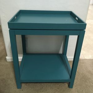 Farmhouse serving table w/ removable tray for Sale in Glendale, AZ