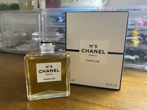Authentic Chanel no.5 eau de perfum for Sale in Los Angeles, CA