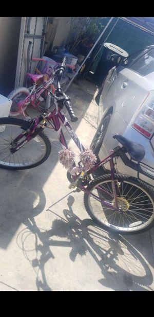 Mountain Bike Purple for Sale in Bell, CA