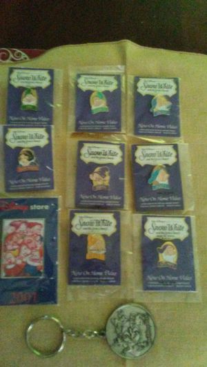 Disney Snow White Collection tac pins and key chains for Sale in Holiday, FL