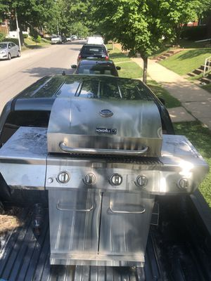 Propane bbq grill for Sale in St. Louis, MO