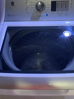 GE 4.6 Cu Ft Washing Machine for Sale in Portland,  OR