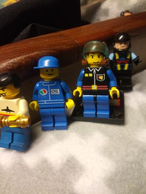 VINTAGE LEGO. PEOPLE LOT OF MINIFIGURES for Sale in San Diego, CA