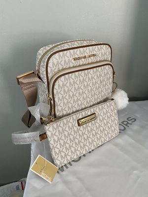Michael Kors messenger bag with matching wallet for Sale in Garden Grove, CA
