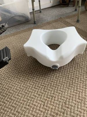 Toilet seat riser for Sale in Kennewick, WA