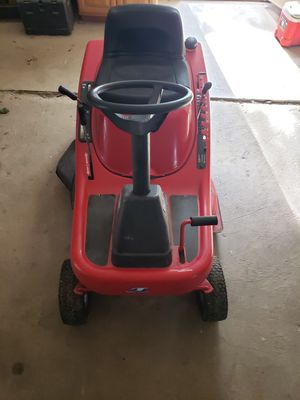 Lawn tractor for Sale in Olmsted Falls, OH