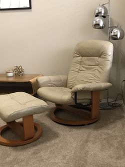 Vintage Ekornes Style Chair Lounge By Chairworks for Sale in Spanaway,  WA