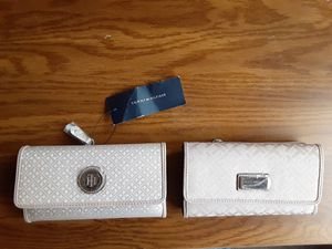 Tommy HILFIGER news womens wallet for Sale in Las Vegas, NV