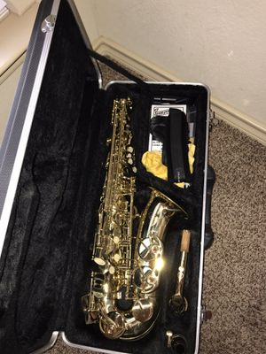 Etude alto sax includes everything you need to play $350 OBO HABLO ESPAÑOL for Sale in Fort Worth, TX