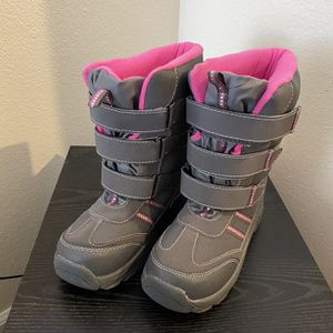 Kids Snow Boots for Sale in Sanger, CA