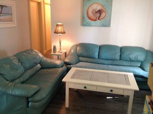 Living room set couch love seat for Sale in Boca Raton, FL