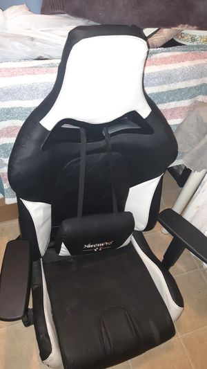 Gaming chair for Sale in Stockton, CA