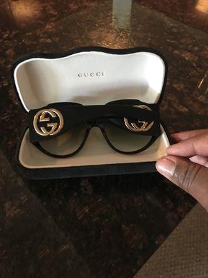 Gucci sunglasses for Sale in Chicago, IL