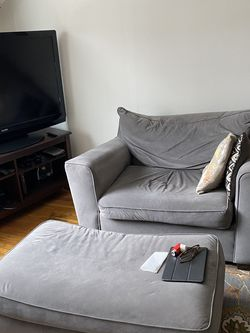 Grey Chair And Ottoman for Sale in Perth Amboy,  NJ