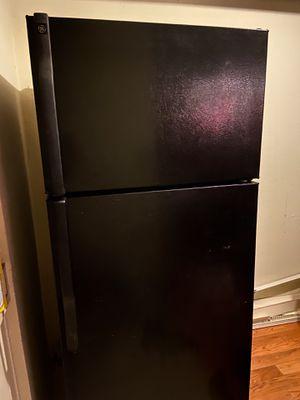 GE Energy Star 18 cu. inch Refrigerator for Sale in Los Angeles, CA
