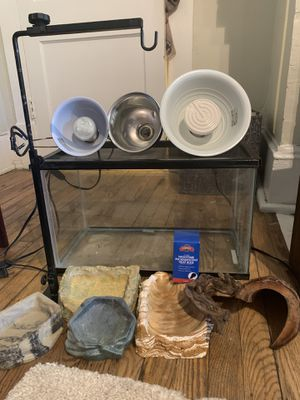 10 gallon tank, adjustable lamp stand, 3 dome lamps (details below), 4 bowls, 3 lights, wooden decor for Sale in Durham, NC