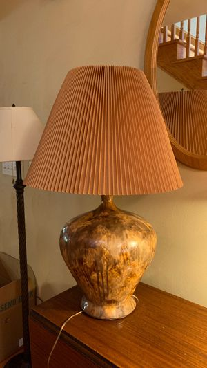 Vintage~ Beautiful Lamp for Sale in Catawba, VA