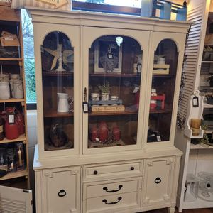 Refinished Hutch / Display Cabinet for Sale in Sumner, WA