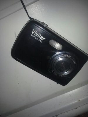 Vivitar digital camera vivicam 7022 for Sale in Suitland-Silver Hill, MD