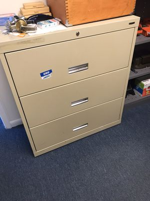 3 drawer file cabinet for Sale in Virginia Beach, VA