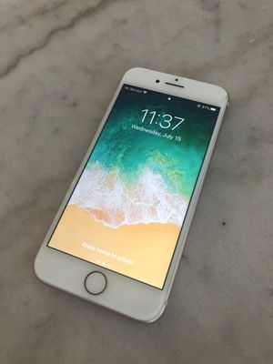 Iphone 8 64 GB Rose Gold for Sale in Chicago, IL