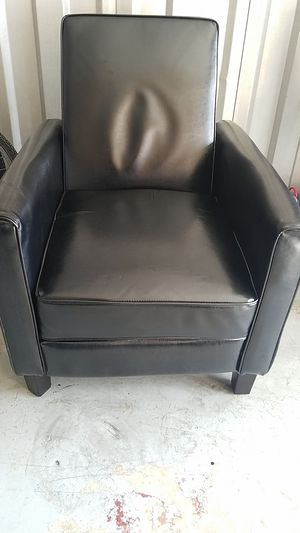 Small Black Recliner Great For Small Apt for Sale in Alexandria, VA