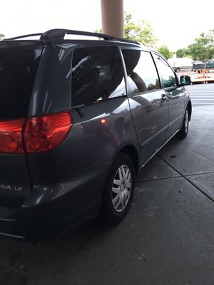 2010 Toyota minivan for Sale in Hartford, CT