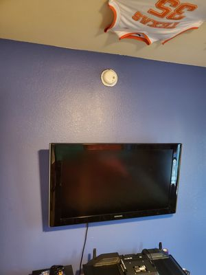 SAMSUNG 40 INCH TV for Sale in Katy, TX
