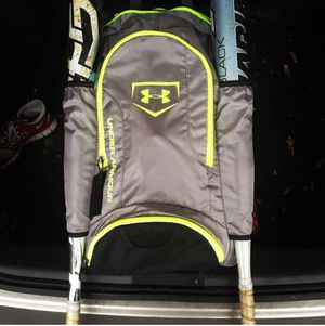 Under armour softball/baseball bag for Sale in Cardington, OH